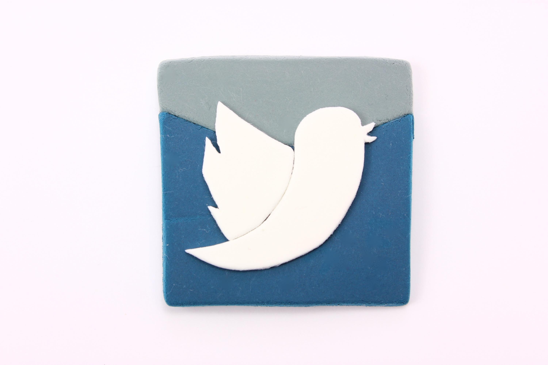 SNSで攻撃的なツイートは凍結の対象になりやすい